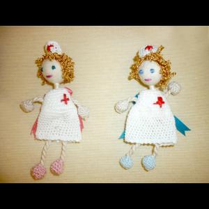 Broche muñeca oficios