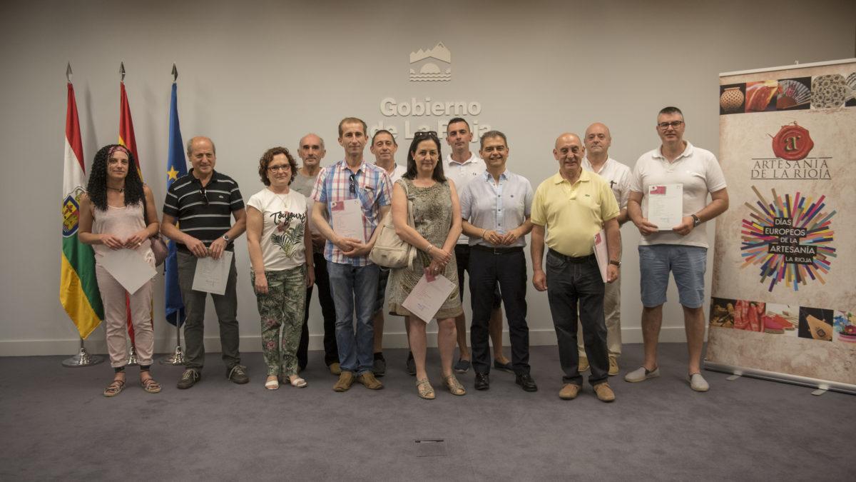 El Gobierno de la Rioja entrega 48 carnés de artesanos