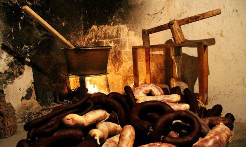 Morcillas Montse, con su tradicional receta de sangre de cerdo